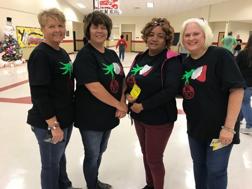 CMS holds Christmas tree decorating contest