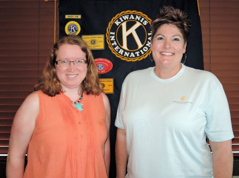 (L-R): Julie Vickers (President) and Lori Hennesy.