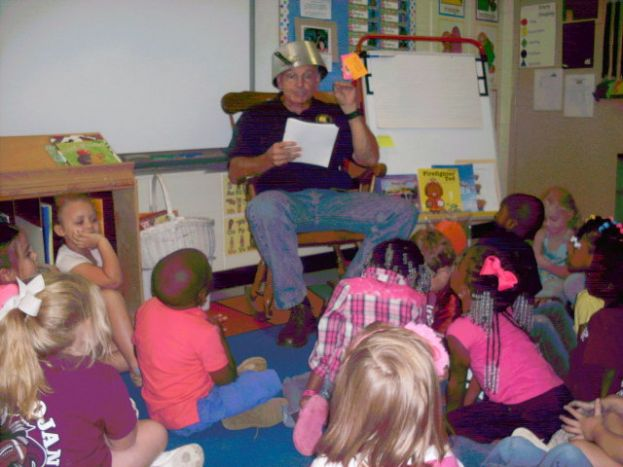 Johnny Appleseed visits Eastside Elementary