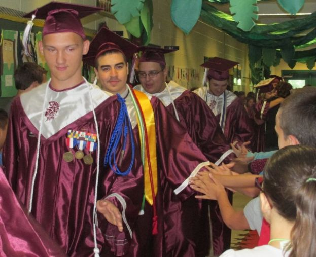 West Green Elementary honors former Warriors during senior parade