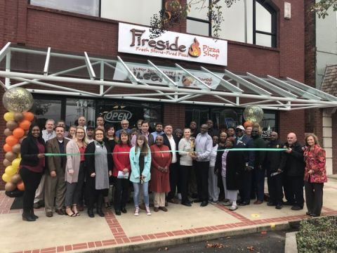 Fireside Pizza has new owners, holds ribbon cutting
