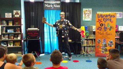 Satilla Regional Library System hosts Rock n' Roll Magic Show