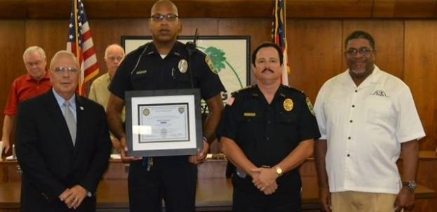 Wounded officer commended