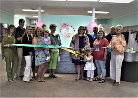 Simply Sassy Boutique holds grand opening, ribbon cutting