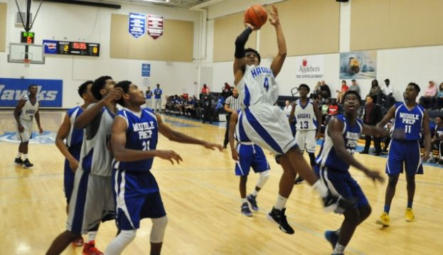 Andre Elam had 10 points Saturday afternoon against Middle Georgia Prep.