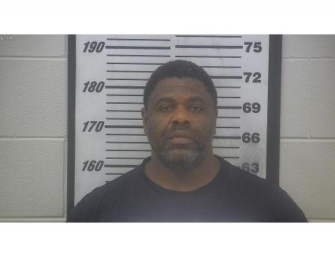 Deputies arrest suspect in convenience store robbery