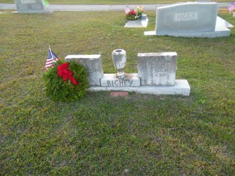 Post 515 announces 2019 Wreaths Across America cemeteries
