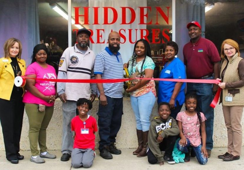 Hidden Treasures holds ribbon cutting
