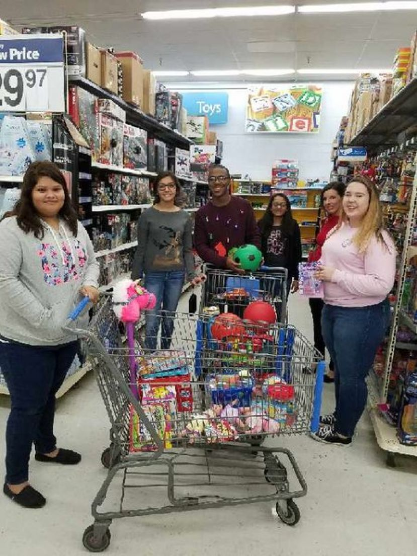 Coffee High School FBLA members shop to bring Christmas to others