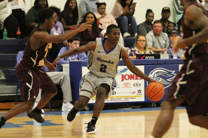 Nate Louis finished with 10 points, three rebounds, and eight assists Saturday against USC-Salkehatchie.