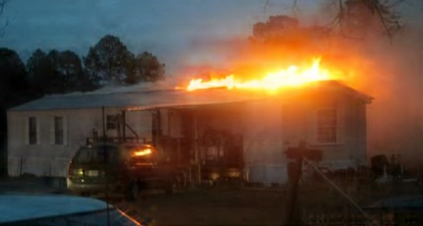 Firefighters respond to early Friday morning blaze