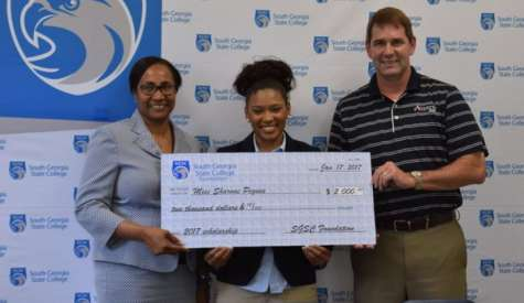 Sharnae Pegues receives SGSC Foundation Scholarship