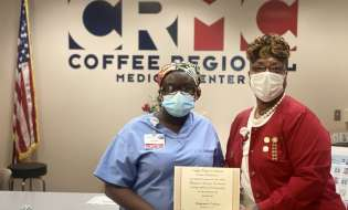 Keyonna Carson wins CRMC Volunteers scholarship